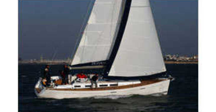 Rent a sailboat in Jolly Harbour - Dufour 425 Grand Large
