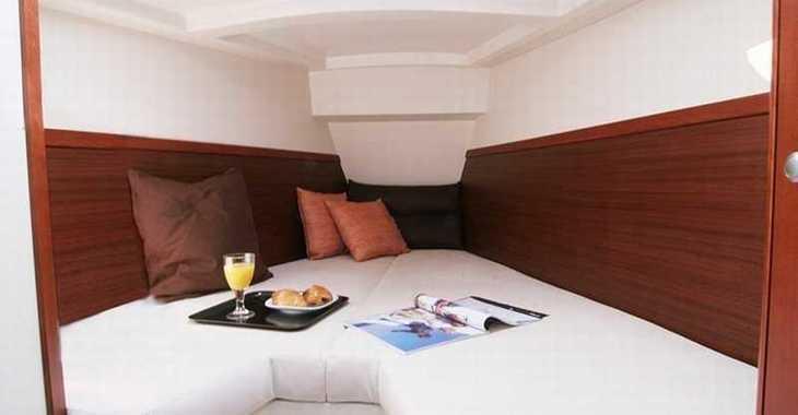 Rent a sailboat in Port Mahon - Hanse 350