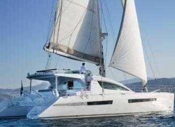 Rent a catamaran in Marina Ibiza - Privilege 615