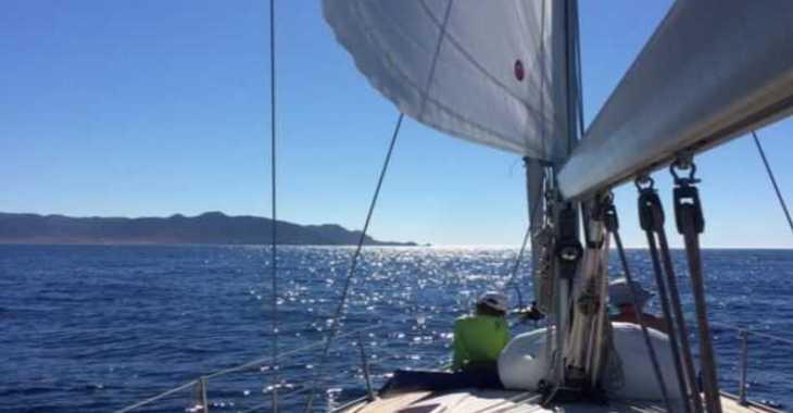 Rent a sailboat in Marina Ibiza - Bavaria 38