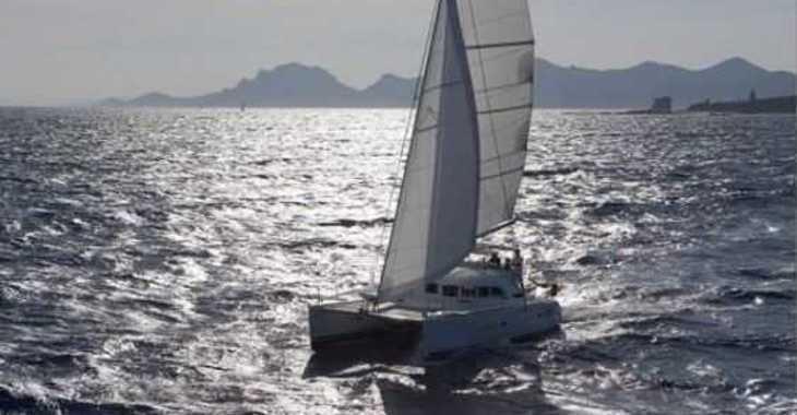 Rent a catamaran in Club Náutico Ibiza - Lagoon 380