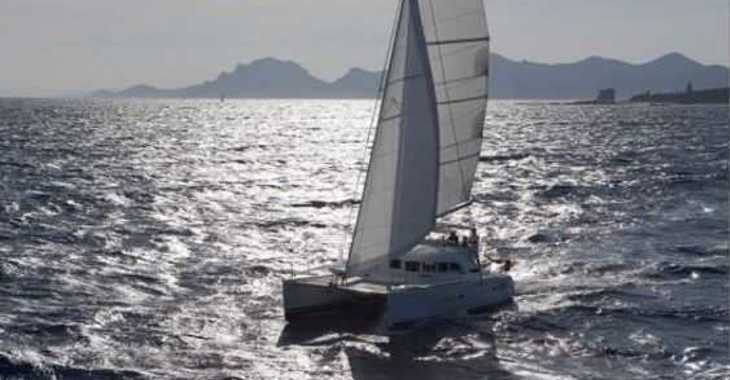 Rent a catamaran in Playa Talamanca - Lagoon 380