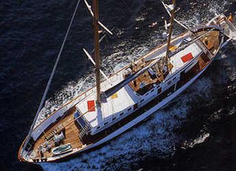 Rent a sailboat in Port Olimpic de Barcelona - Vela clásico 35m