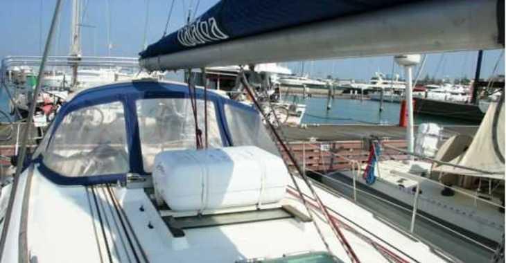 Rent a sailboat in Platja de ses salines - Jeanneau Sun Odyssey 37
