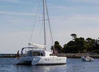 Rent a catamaran in Motril - Lagoon 380