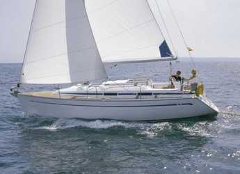 Rent a sailboat in Santander - Bavaria 31