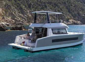 Rent a catamaran in Marina CostaBaja - MAESTRO 37