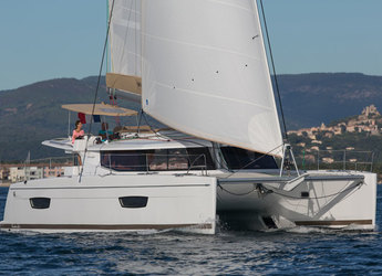 Rent a catamaran in Road Reef Marina - Helia 44