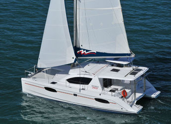 Rent a power catamaran in Sea Cows Bay - Robertson & Caine - Leopard 39