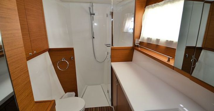 Medium lagoon450 kindred masterbath 600