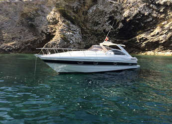Rent a yacht in Port of Santa Eulària  - Pershing 37
