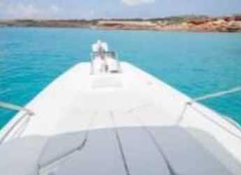 Alquilar neumática Zodiac Medline III en Marina Formentera, Formentera