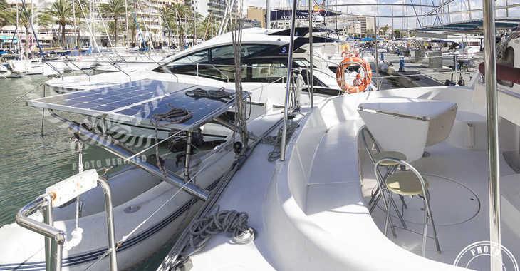 Rent a catamaran in Puerto Deportivo Radazul - Bahia 46