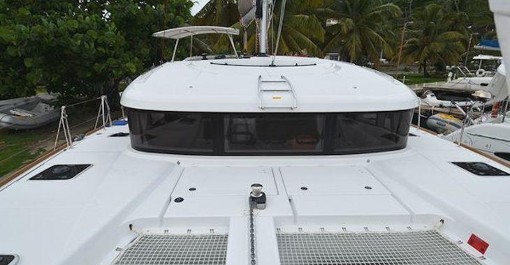 Alquilar catamarán Lagoon 400S2 en Road Reef Marina, Road town