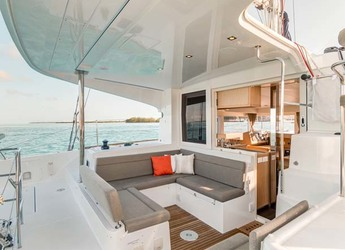 Rent a catamaran in Palm Cay Marina - Lagoon 39