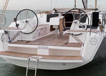 Rent a sailboat Dufour 382 Grand Large in Portu Valincu, Propriano