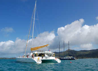 Rent a catamaran in Eden Island Marina - Mojito 82