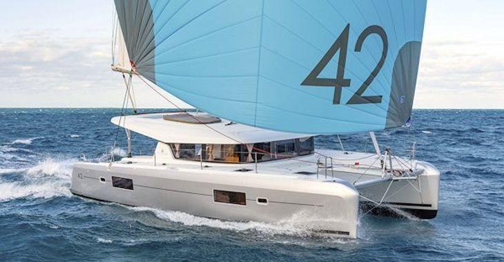 Medium lagoon42 sailing 600
