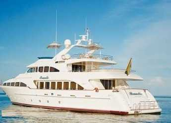 Rent a yacht in Palm Cay Marina - BENETTI