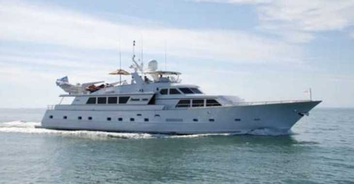 Rent a yacht in Palm Cay Marina - BROWARD