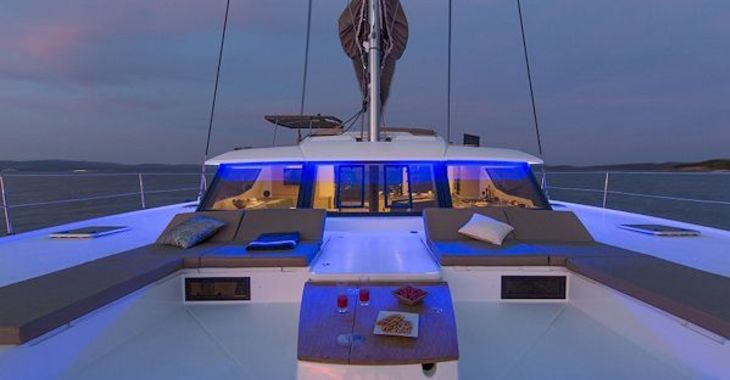 Rent a catamaran Fountaine Pajot Saba in Road Reef Marina, Road town