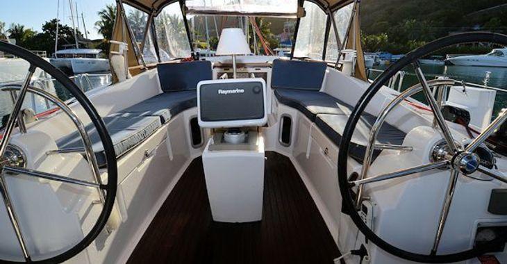 Medium jeanneau41ds cockpit 600