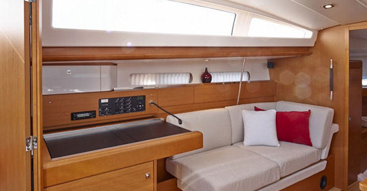 Rent a sailboat Jeanneau 41DS in Road Reef Marina, Road town