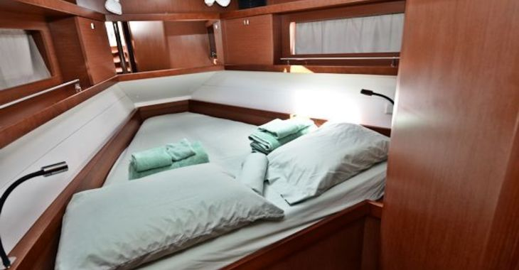 Medium beneteau41 critical fwdcabin 600