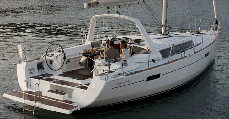 Medium beneteau41 transom1 600