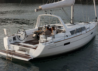 Rent a sailboat in Road Reef Marina - Beneteau Oceanis 41