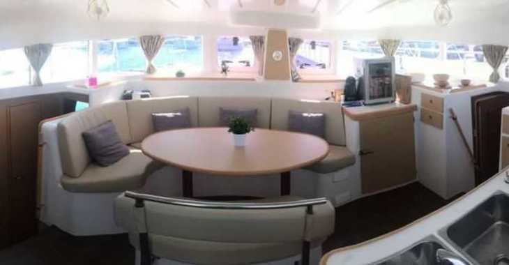 Alquilar catamarán en Puerto deportivo Marina La Bajadilla - Lagoon 380