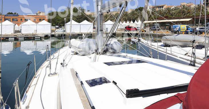 Rent a sailboat in Muelle de la lonja - Jeanneau Sun Odyssey 519