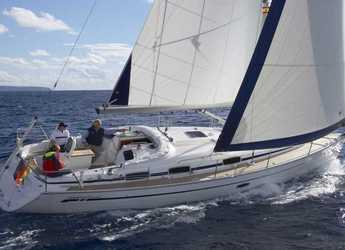 Rent a sailboat in Port Ginesta - Bavaria 37 Cruiser