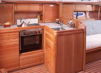 Chartern Sie segelboot Bavaria 37 Cruiser in Port Ginesta, Barcelona