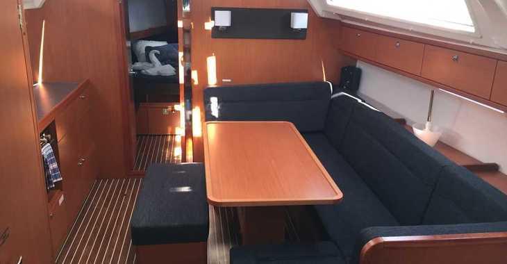 Rent a sailboat in Alimos Marina Kalamaki - Bavaria Cruiser 41