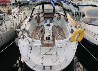 Rent a sailboat in Alimos Marina Kalamaki - Bavaria 32 Cruiser