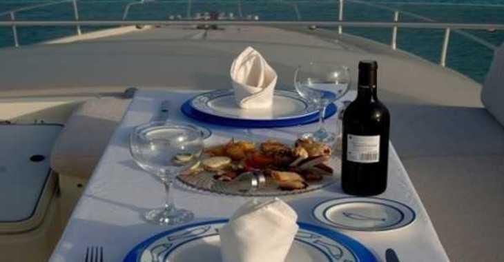 Alquilar yate Ferreti 175 Fly en Marina Ibiza, Ibiza (ciudad)