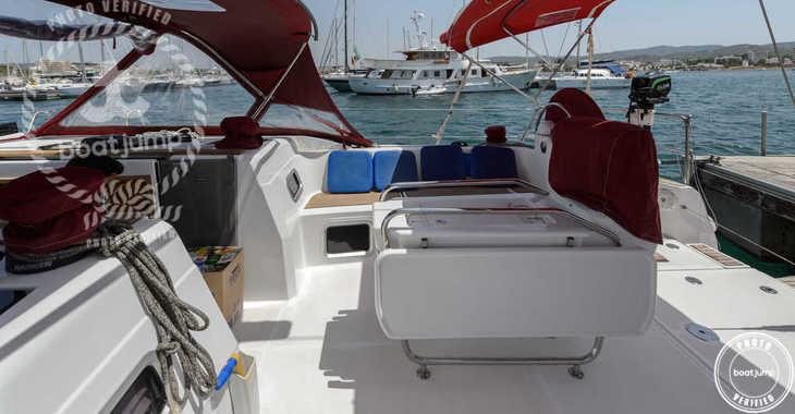 Rent a sailboat in Club Naútico de Sant Antoni de Pormany - JEANNEAU SO 509