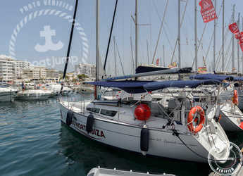 Rent a sailboat in Club Naútico de Sant Antoni de Pormany - JEANNEAU SO 32i