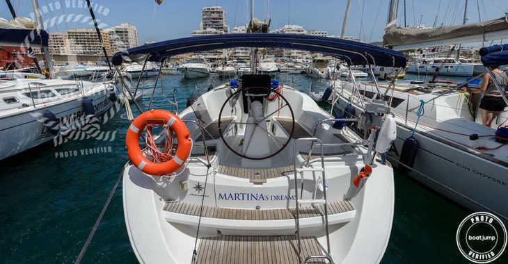 Rent a sailboat in Club Naútico de Sant Antoni de Pormany - JEANNEAU SO 36i