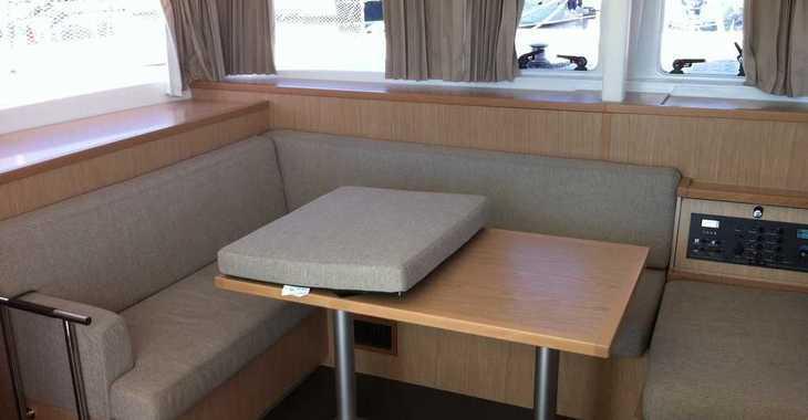 Alquilar catamarán Lagoon 400 S2 en ACI Pomer, Pomer