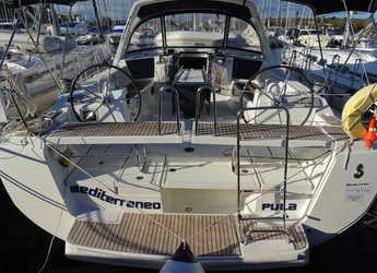 Rent a sailboat in ACI Pomer - Oceanis 45