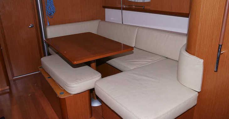 Alquilar velero Beneteau Oceanis 40 en Port Badalona, Badalona
