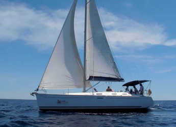 Rent a sailboat in Port Mahon - Dufour Grand Large 385