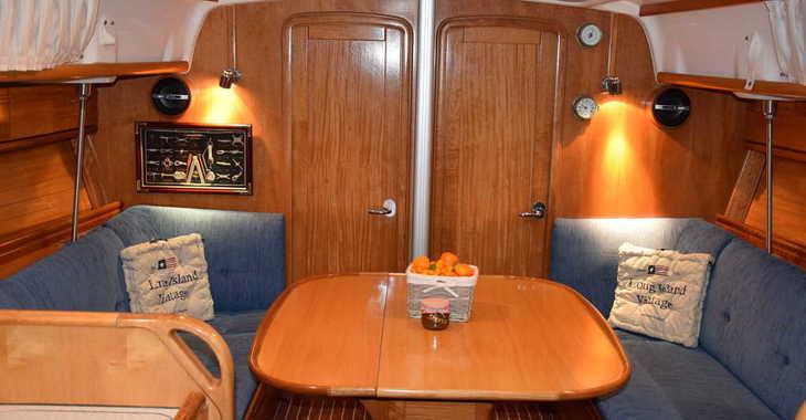 Rent a sailboat in Trogir (ACI marina) - Bavaria 37 Cruiser