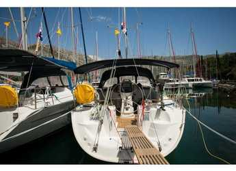 Rent a sailboat in ACI Marina Dubrovnik - Bavaria 37 Cruiser