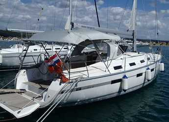 Rent a sailboat in Marina Sukosan (D-Marin Dalmacija) - Bavaria 40 Cruiser.
