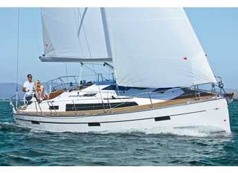 Rent a sailboat in Trget Port - Bavaria Cruiser 37