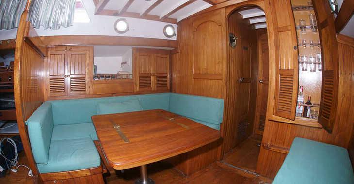 Rent a sailboat in Port Badalona - Formosa 41