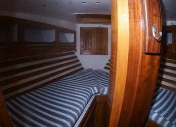 Alquilar velero Formosa 41 en Port Badalona, Badalona
